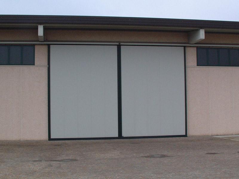 Portoni scorrevoli - Porta garage scorrevole ...